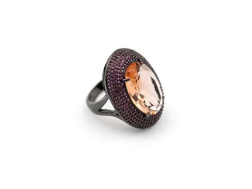 Anel de Pedra com Zircônia Rosa em Banho Ródio Negro
