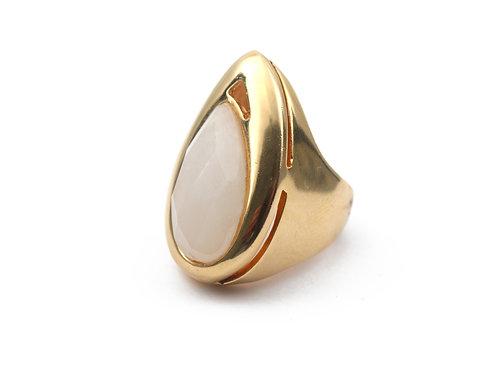 Anel de Pedra Banhado a Ouro
