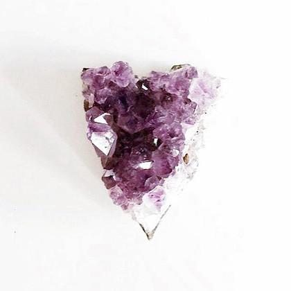 Améthyste, pierre d'améthyste semi-précieuse naturelle brute en cristaux