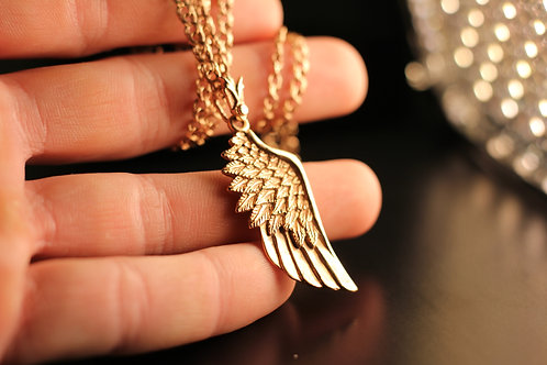 Золотое крыло
