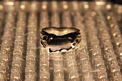 Перстень с природным корундом