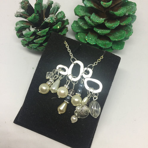 Silver loops and pearls necklace