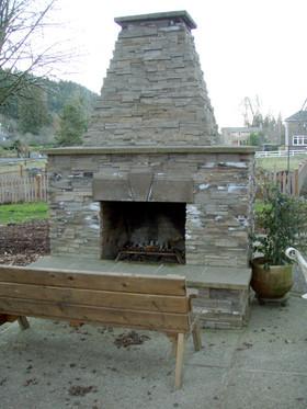 outdoor-fireplace-keyser-constr.jpg