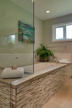 Custom-bathtub-keyser-construction.jpg