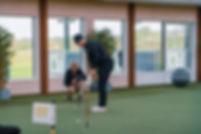 Träningshalll_inomhus_golfträning_puttin