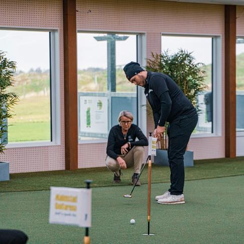 Putträning i Träningshallen på Halmstad Golfarena