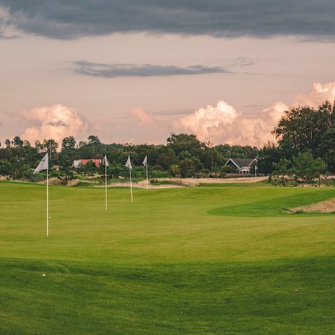 2700 kvadratmeter green på Golfarenans närspelsområde.