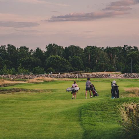 Hål 9 på Arenabanan erbjuder en behaglig avslutning på din golfrond.