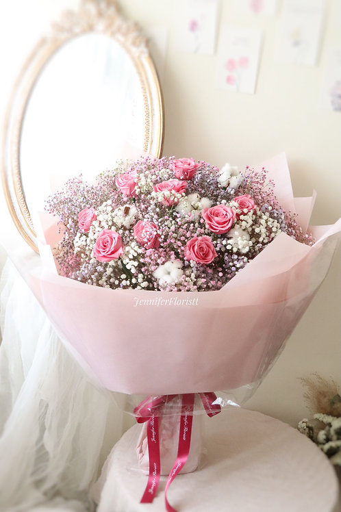 Baby's breath & preserved roses