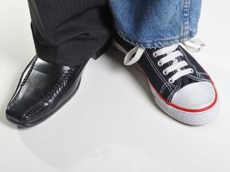 של נעליך מעל רגליך