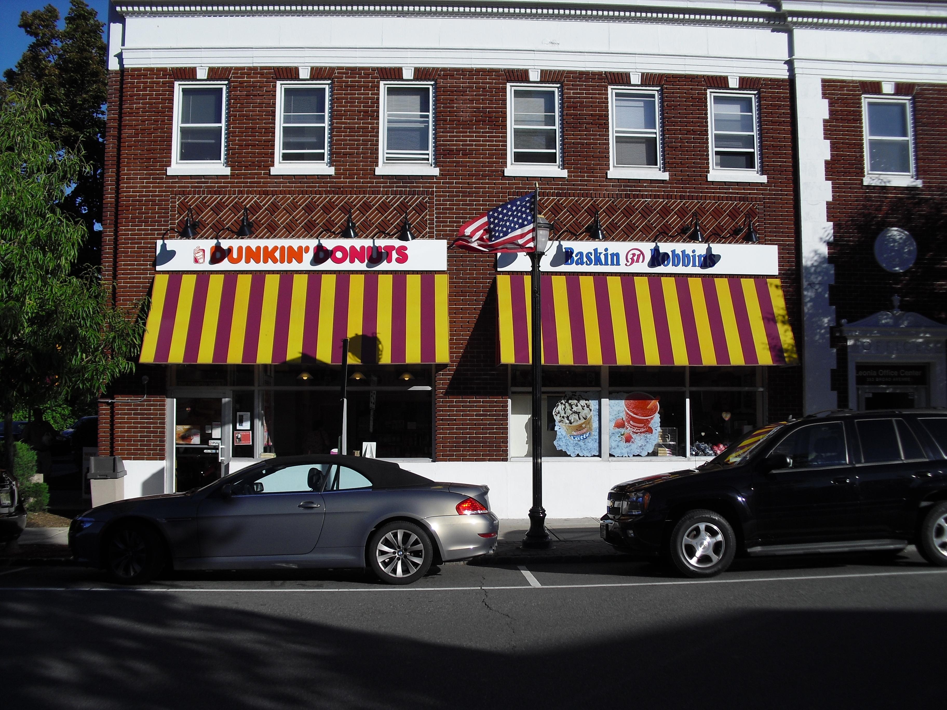 Donkin Donuts Lenoia.JPG