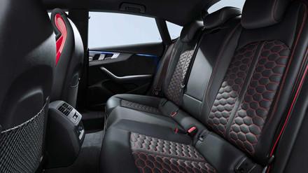 Intérieur Audi RS5 Sportback à louer