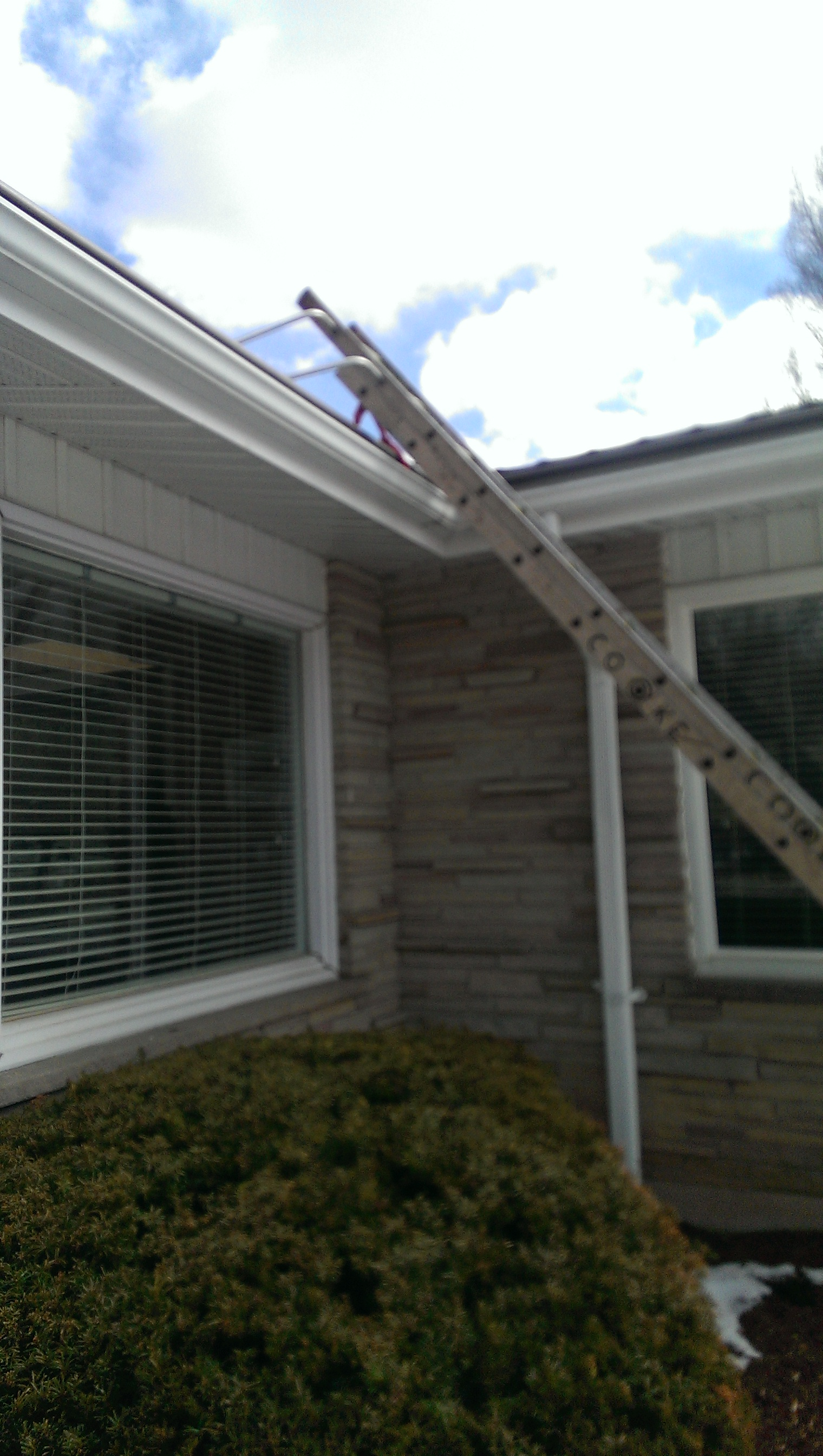 Ladder stablizers for eaves trough