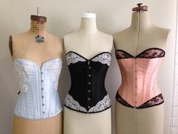 3 corsets