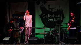 Galoshans stage - copyright Colin Cunningham