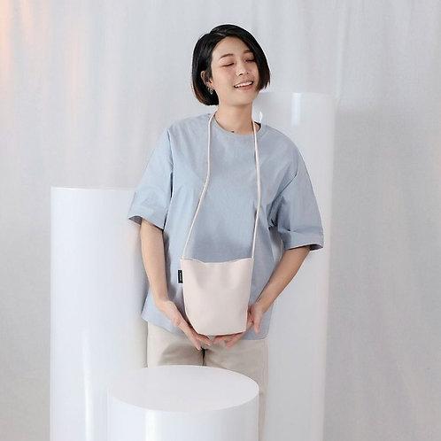 【洽圖洽】Rust Brand 泰國手工人工皮袋-水桶包-低語白