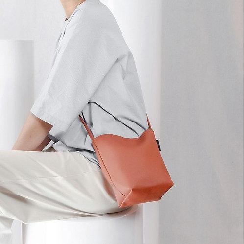 【洽圖洽】Rust Brand 泰國手工人工皮袋-水桶包-銹色