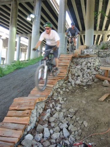Велосипедная трасса с препятствиями