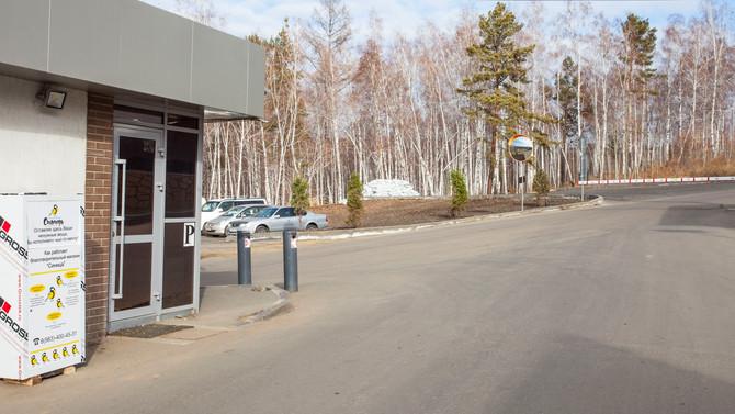 В поселке Хрустальный продолжает работу контейнер по сбору вещей для благотворительного магазина «Си
