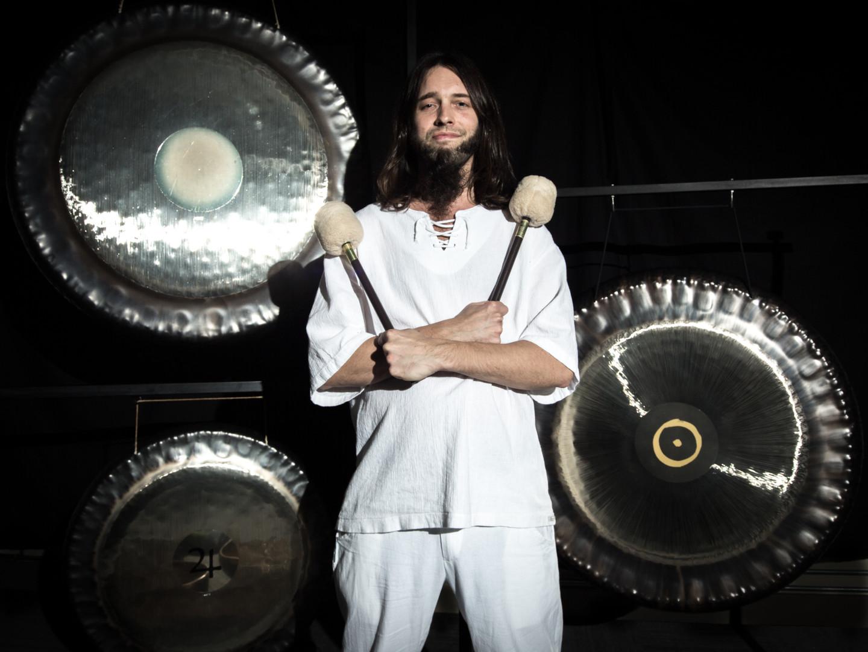 gongs-4.jpg