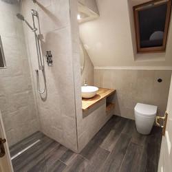 Space maximising wetroom