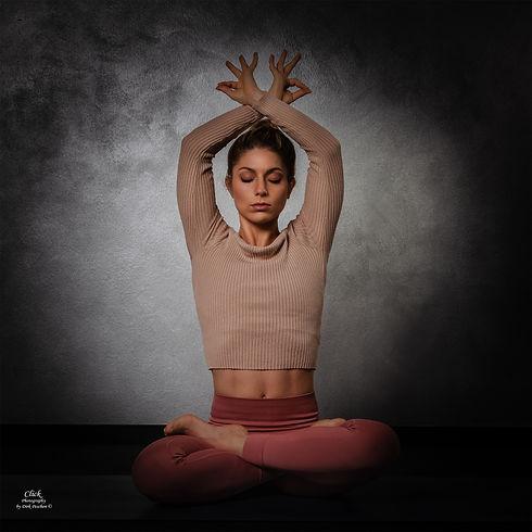fitfam-live-training-yoga.jpg