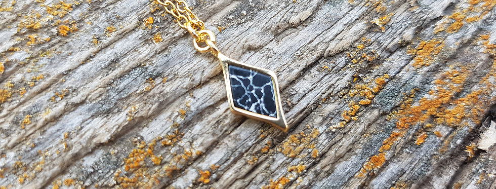 Marble howlite diamond necklace