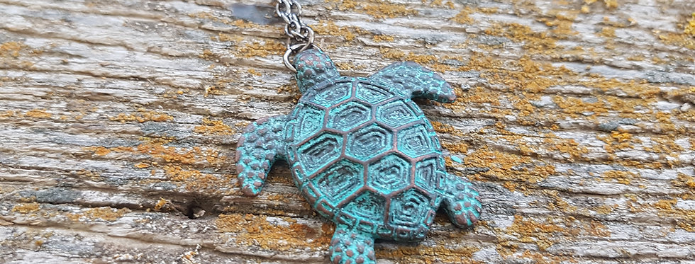 Large turtle necklace