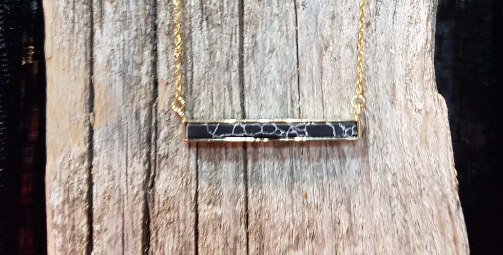 Marble howlite bar necklace
