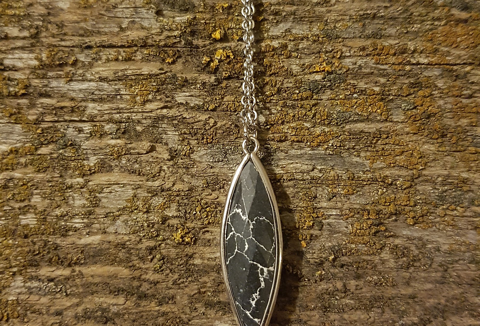 Black marble howlite necklace