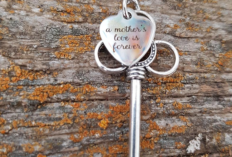 Mothers love key necklace