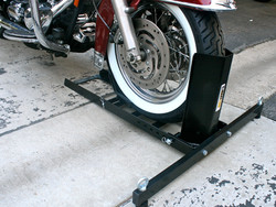 70271 Motorcycle Wheel Chock Photo B.JPG