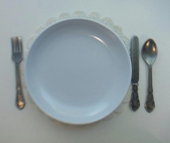 Medium White Dinner Plate
