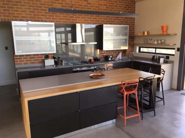 NEETHLING kitchen.JPG
