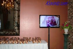 Monitor Slideshow Chicago Wedding DJ