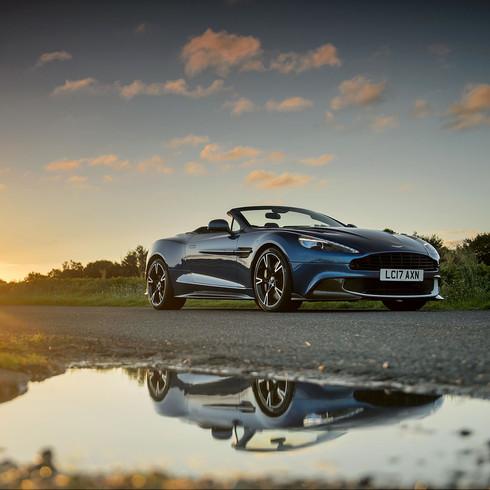 Aston Martin Vanquish Volante S - Autovivendi Supercar Club