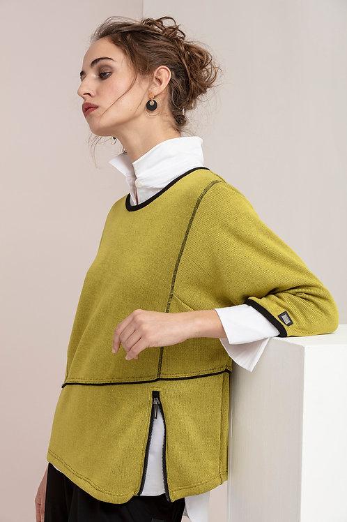 Naya -  Knitted jumper in olive with black zip details
