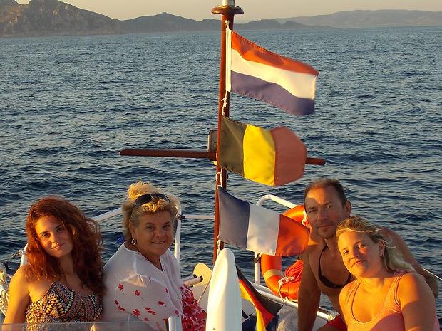 La famiglia Raffi in barca