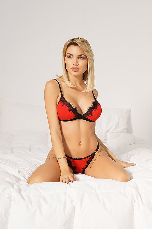 Lingerie set with cups