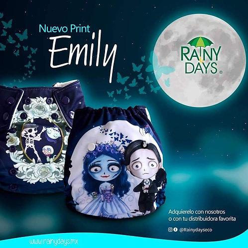 Emily *con absorbentes*