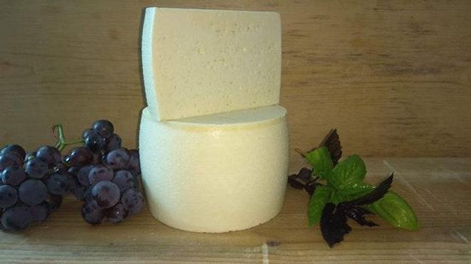 Чесниківський сир (молодий), 100г