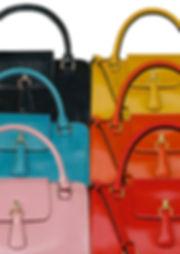 Maureen Kim Paris est une marque française de maroquinerie de luxe et sacs haut-de-gamme avec une boutique en ligne et service sur-mesure. Maureen Kim Paris is a french luxury house of leather goods and high-end bags with a online shop and a custom-made service.
