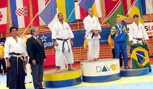2004 championnat 17 podium 495.jpg