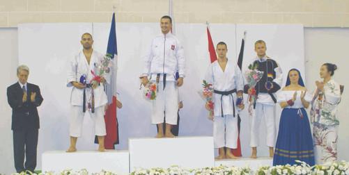2005 euro18 podium 2toufik.jpg