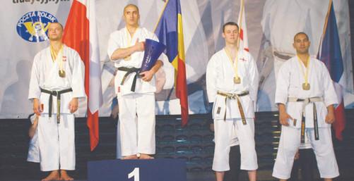 2006 27 CHAMPIONAT DE ERUPE 3+40606 064.