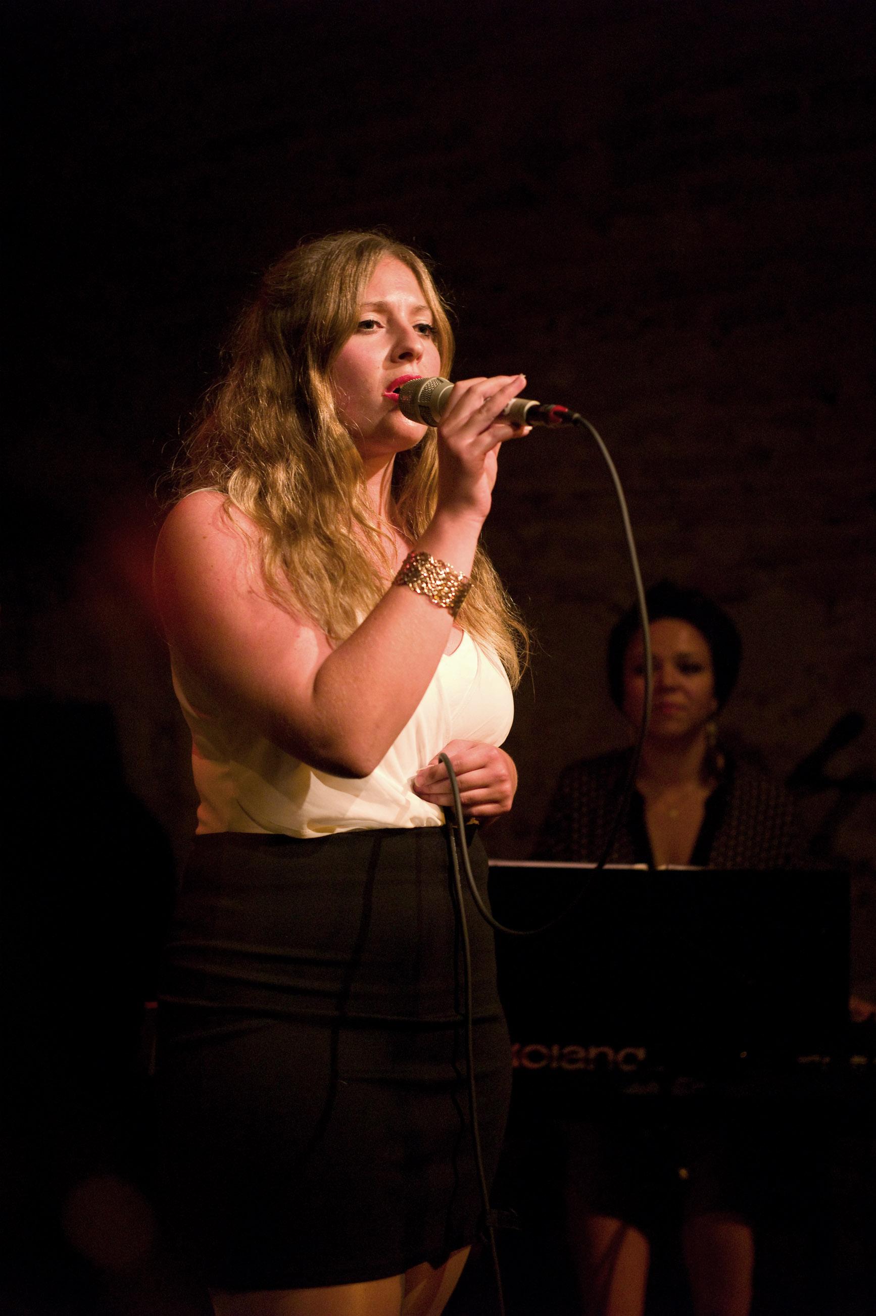 Vocal_Art_Jahreskonzert_2015_Schülerin_Simone.jpg