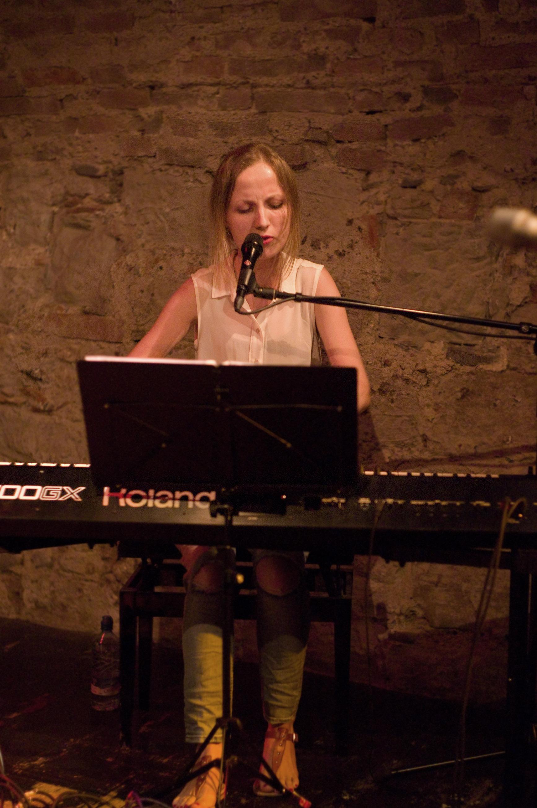 Vocal_ArtJahreskonzert_2015_Schülerin_Katya.jpg