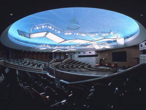 YKK50国際会議場大型照明器具