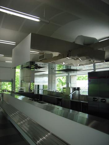 010_kitchen01.JPG