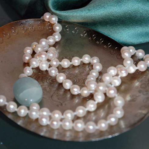 Ethisource-Apparel_peral-necklace-acquam